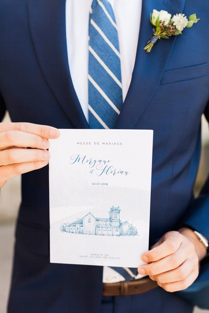 ceremony programm in white and blue