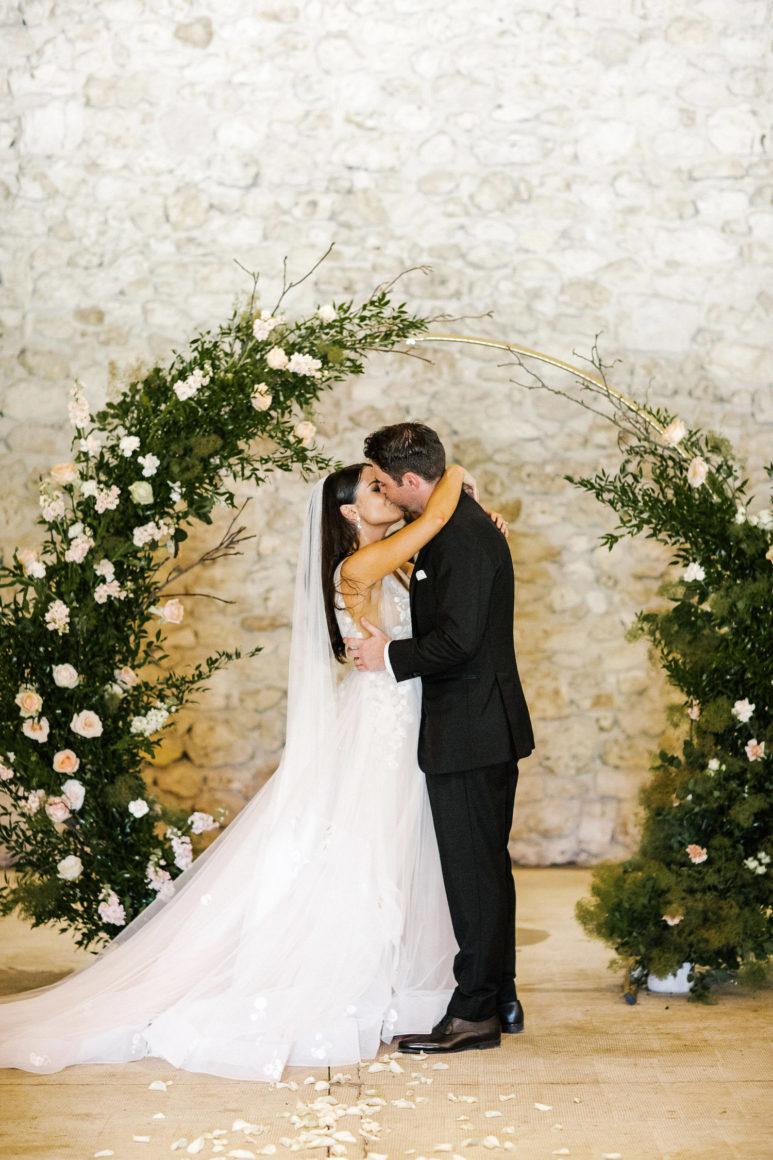 floral circle wedding ceremony backdrop