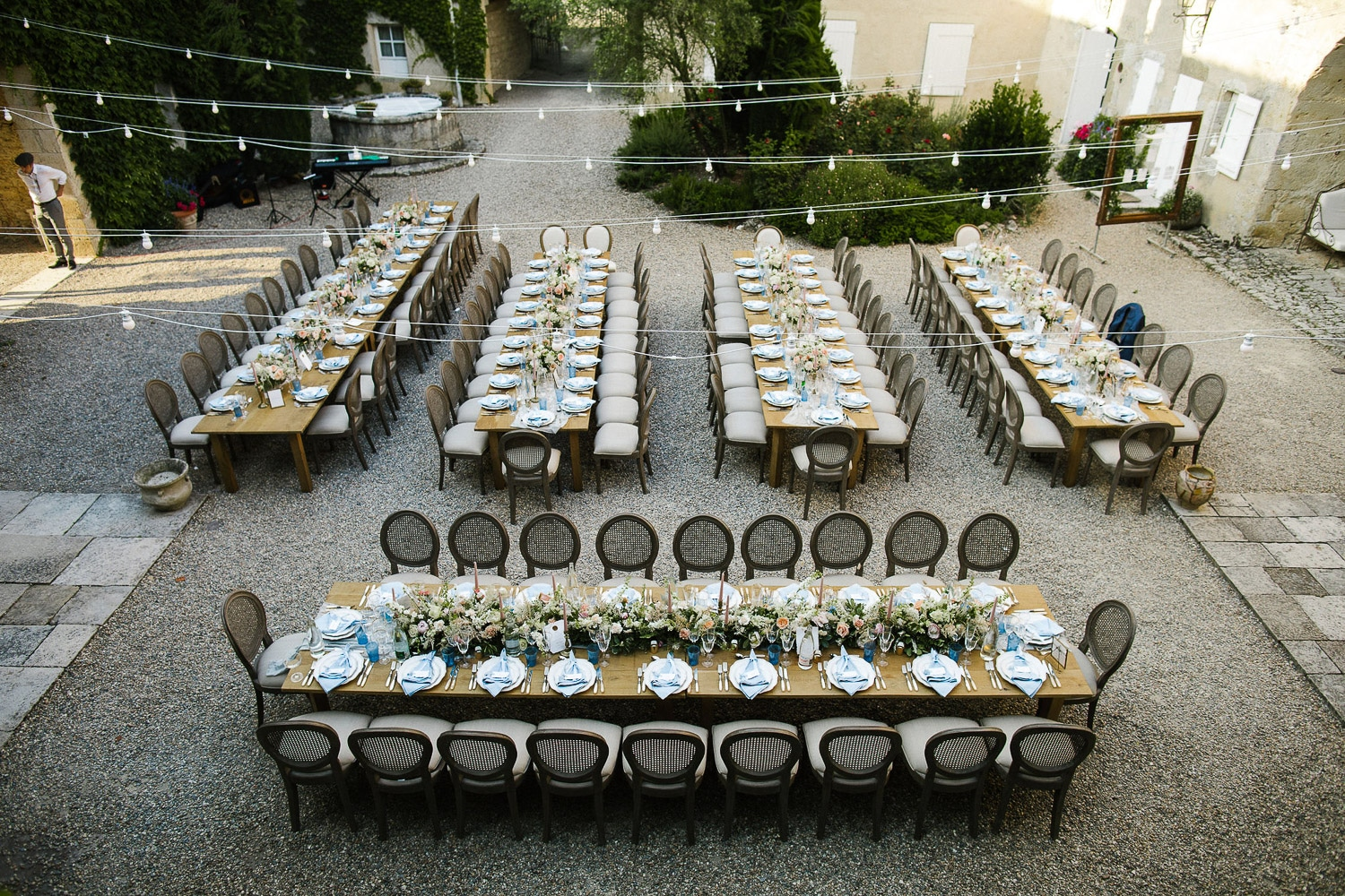 al fresco wedding dinner in the courtyard