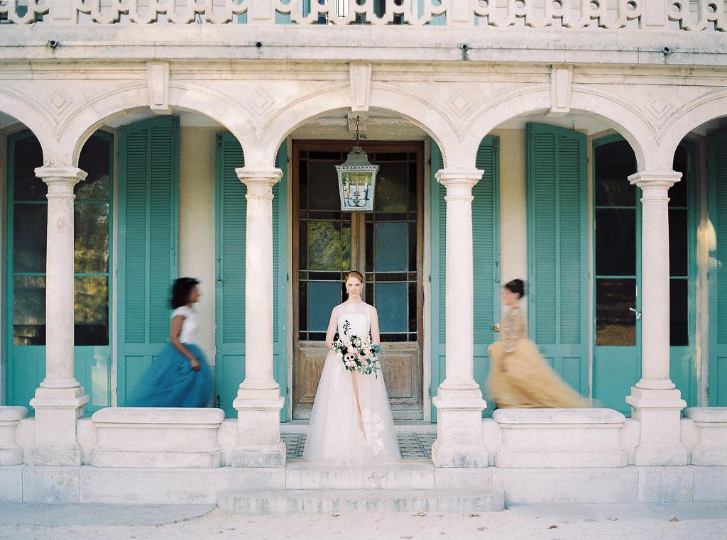 bridal shoot in Bastide de Toursainte