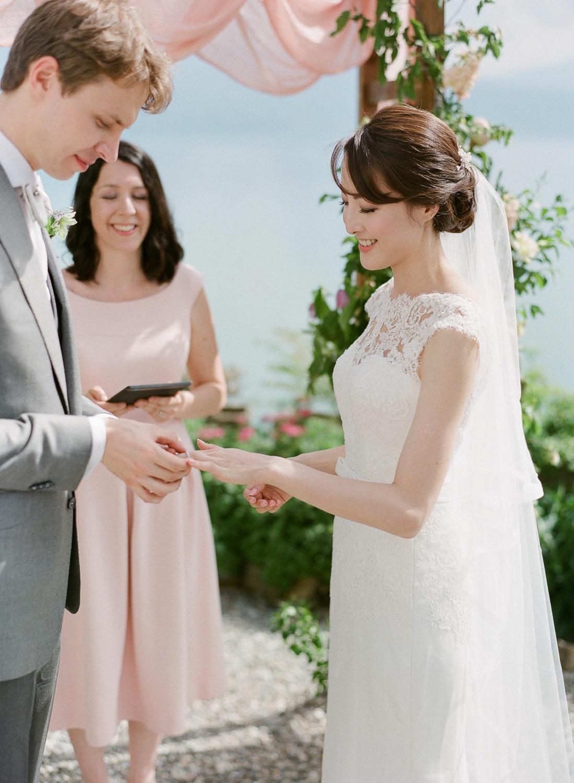 intimate-blush-and-lavender-destination-wedding-Leman-Lake-Veronique-Lorre-refined-floral-and-wedding-designer-worlwide-61