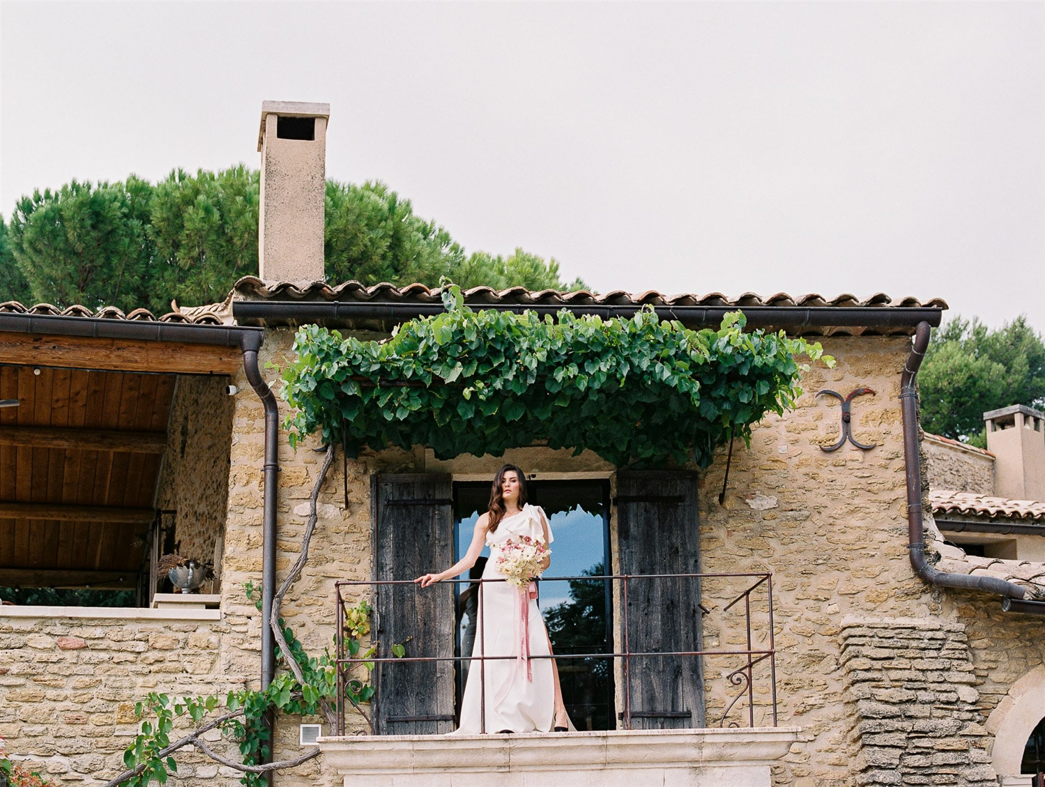 refined wedding in domaine les roullets