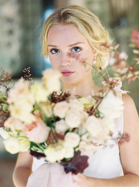 autumn bridal bouquet, fineart flowers, fineart florist, autumn wedding