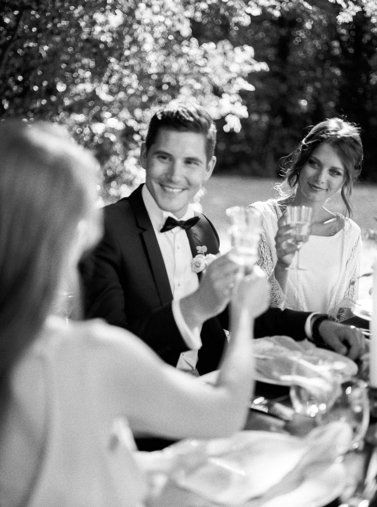 wedding destination, Loire Valley, french art de vivre, gathering, wedding dinner, authentic moment, wedding designer, creative director, Veronique Lorre