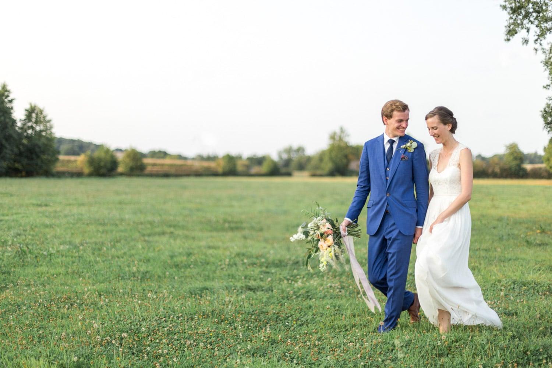 romantic wedding, organic wedding Burgundy, field couple session, wedding designer, wedding florist