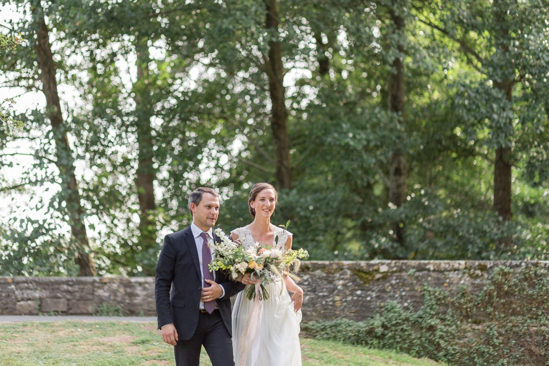 romantic wedding, natural wedding, organic bridal bouquet, bride entrance, floral designer, wedding destination