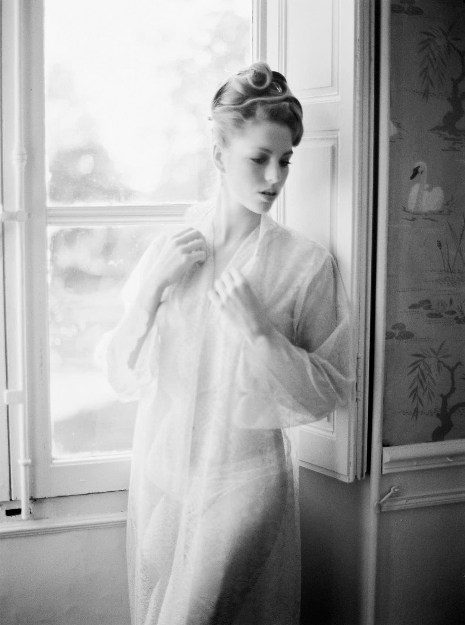 bridal boudoir session, elegant, fineart, veronique lorre, luxury wedding, Marseille, wedding designer