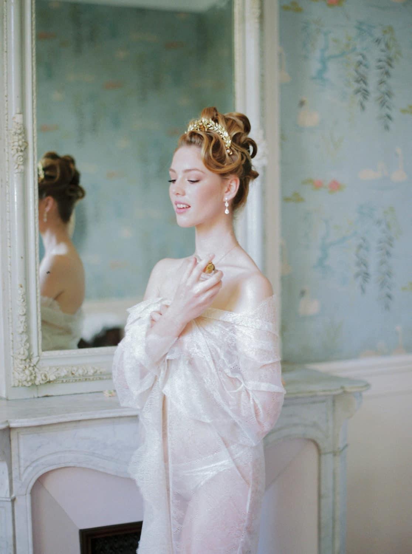elegant-fineart-boudoir-session-in-Bastide-de-Toursainte-Veronique-Lorre-luxury-wedding-floral-designer-41